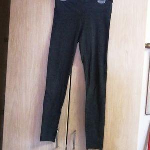 Like New TNA dark grey leggings